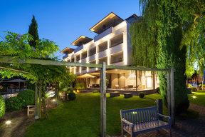 Abendstimmung neue Fassade und Garten
