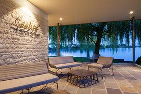 Abendstimmung Hotel-Terrasse
