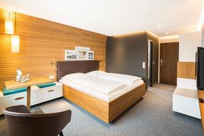 Komfort Doppelzimmer mit Seesicht und Balkon